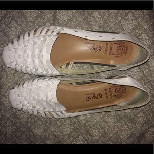 Romano size 9 white sandals